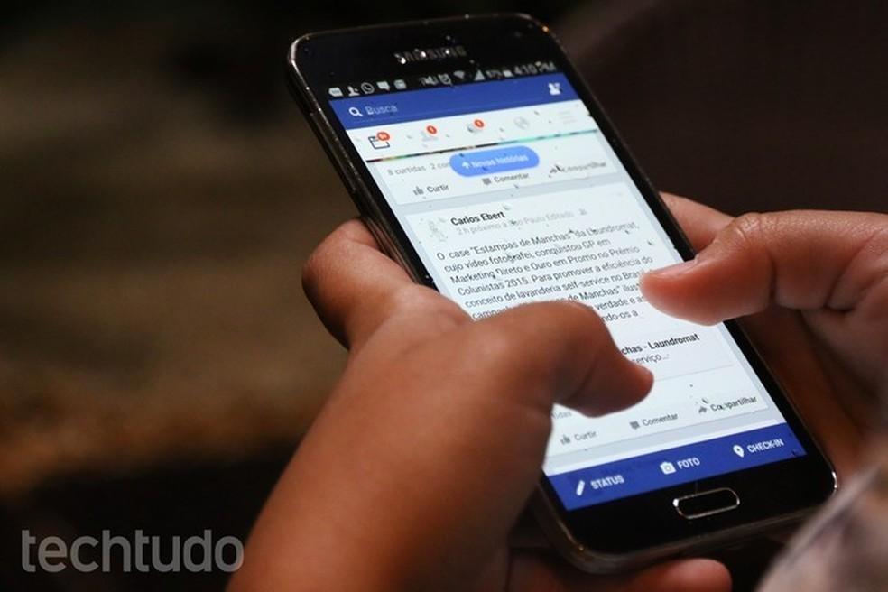 Facebook foi o app mais baixado nos dois sistemas — Foto: Luciana Maline/TechTudo