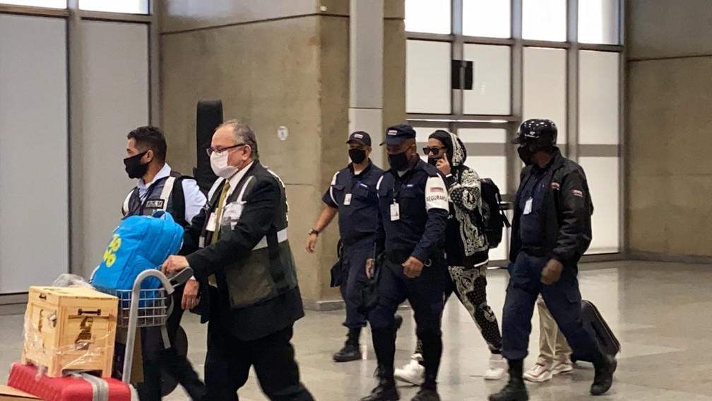 Ronaldinho chega ao Rio — Foto: Marcos Serra Lima/G1