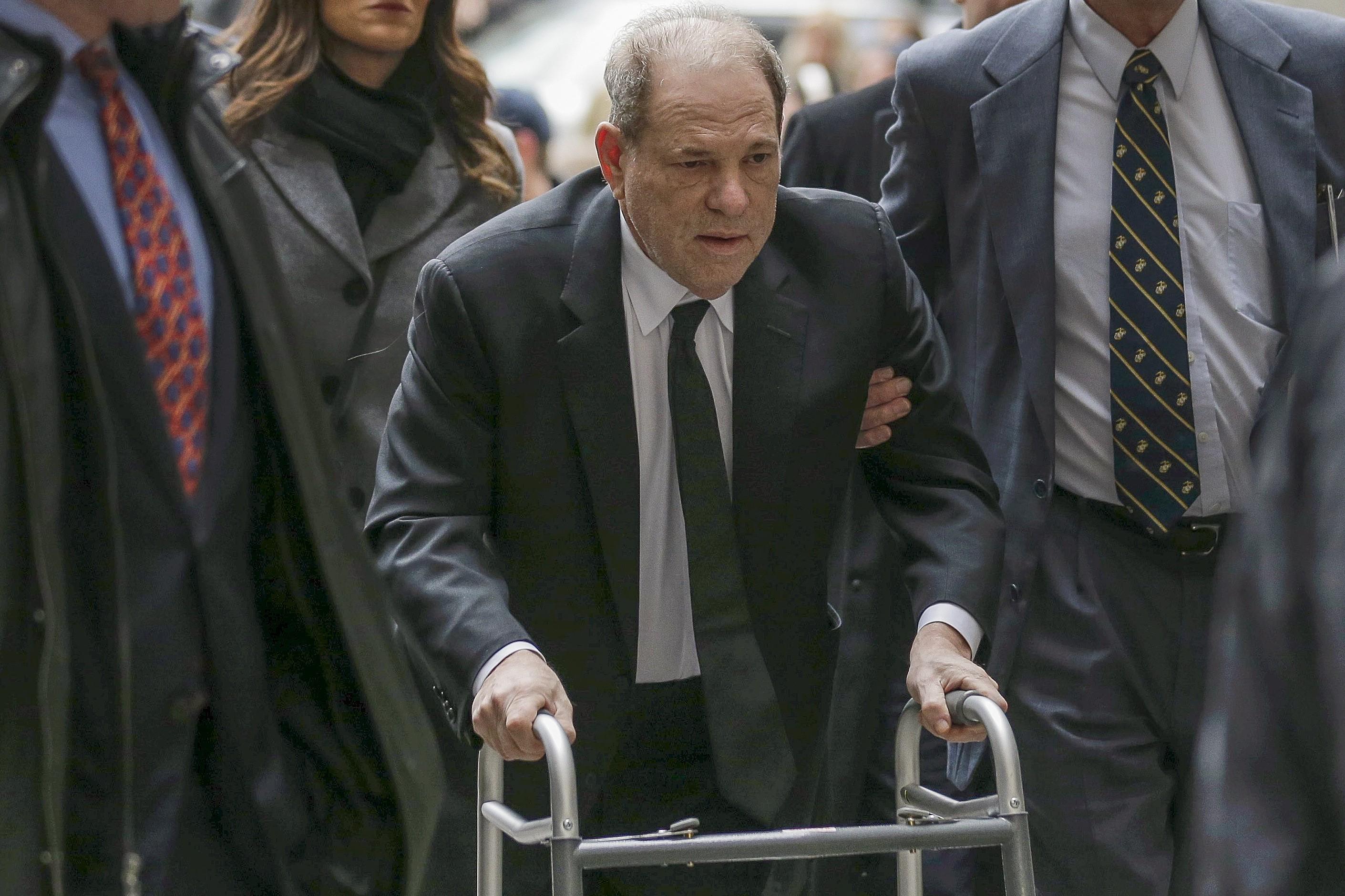 Detetive diz em julgamento que foi contratado por Weinsten para investigar mulheres assediadas