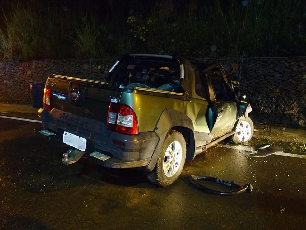 Acidente ocorreu na Rodovia Aparício Biglia Filho (SP-281) em Itaporanga — Foto: Divulgação/ItapoNews