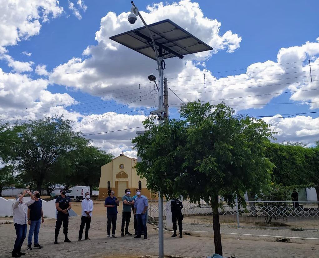 Sertânia é a 1ª cidade de Pernambuco a usar energia solar nas câmeras de segurança
