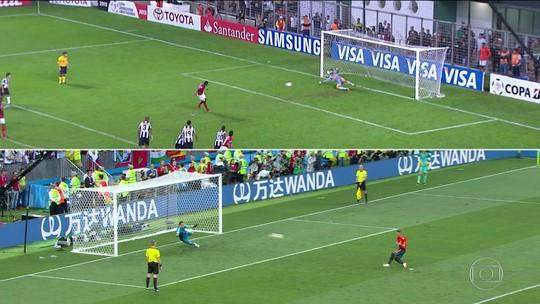 Torcedores comparam defesa de goleiro da Rússia à de Victor na Libertadores 2013