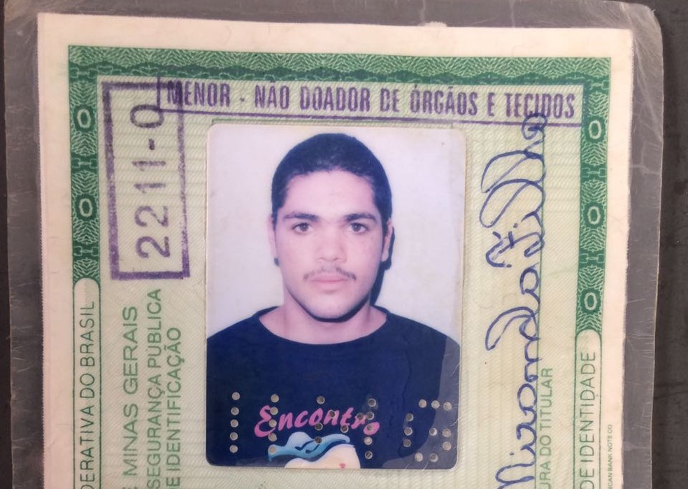 Homem assassinado em Montes Claros (Foto: Pablo Caires/Inter TV Grande Minas)