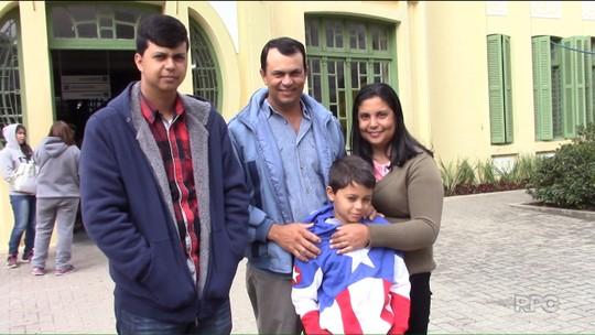 Juninho volta a Curitiba para rever amigos do Hospital Pequeno Príncipe