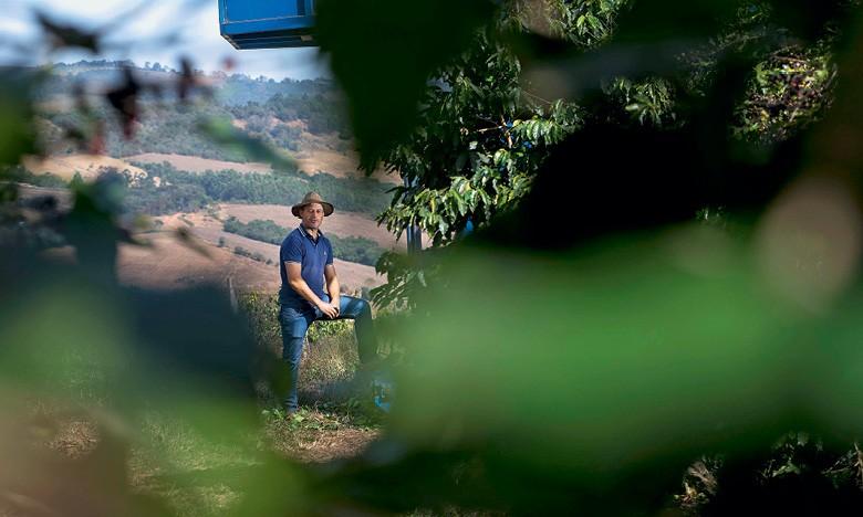 Sergio Oliveira, cafeicultor de São Pedro da União, no sul de Minas (Foto: Emiliano Capozoli)