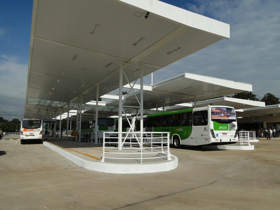 Terminal de ônibus da Avenida Jerônimo Gonçalves, em Ribeirão Preto  — Foto: Fernanda Testa/ G1