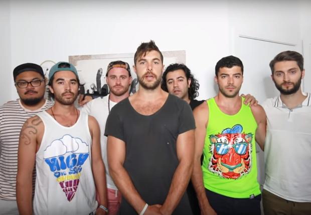 Colegas dos youtubers mortos gravaram vídeo em homenagem a eles (Foto: Reprodução/Youtube)