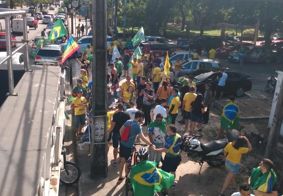 FORTALEZA, 14h35: Ato em apoio ao presidente Jair Bolsonaro percorre bairros da capital cearense neste domingo (26). — Foto: Flávio Rovério/SVM