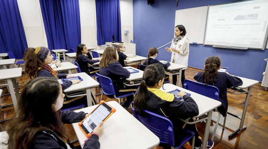 """Colégio Dante Alighieri trabalha """" letramento digital """" com crianças do ensino fundamental para ajudar a combater Fake News e outros riscos da internet  (Foto: Estadão Conteúdo)"""