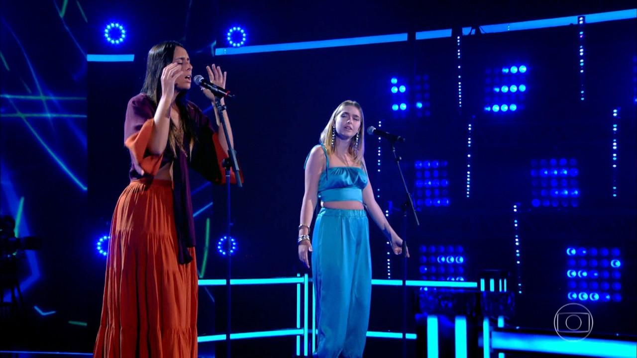Amanda Coronha e Bruna Daré cantam 'Hard Place'