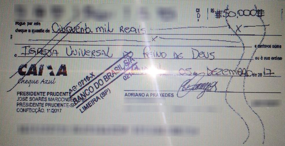 Comerciante verificou pela internet que cheque havia sido adulterado (Foto: Adriano Praxedes/Cedida)
