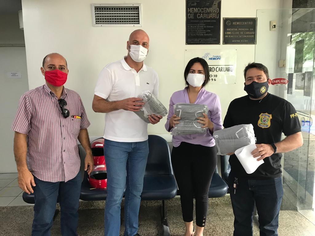 Hemope Caruaru recebe doação de 800 EPIs da Penitenciária Juiz Plácido de Souza
