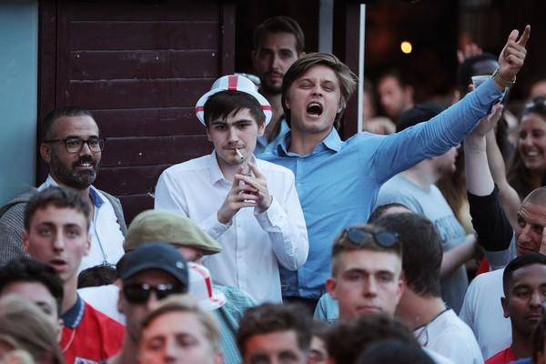 Torcida inglesa faz a festa na Russia (Foto: getty)