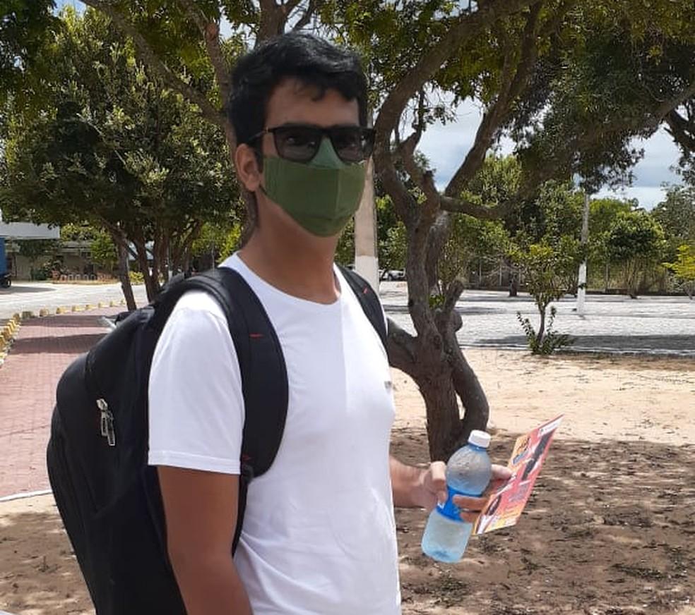 ENEM 2020: Natal, 17/01/2021 - José Paulo Menezes de Oliveira viajou mais de 100 km para fazer Enem 2020 em Natal. — Foto: Julianne Barreto/Inter TV Cabugi