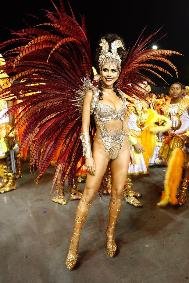 Daniela Albuquerque no Carnaval 2018 (Foto: Edu Saraiva/Editora Globo)