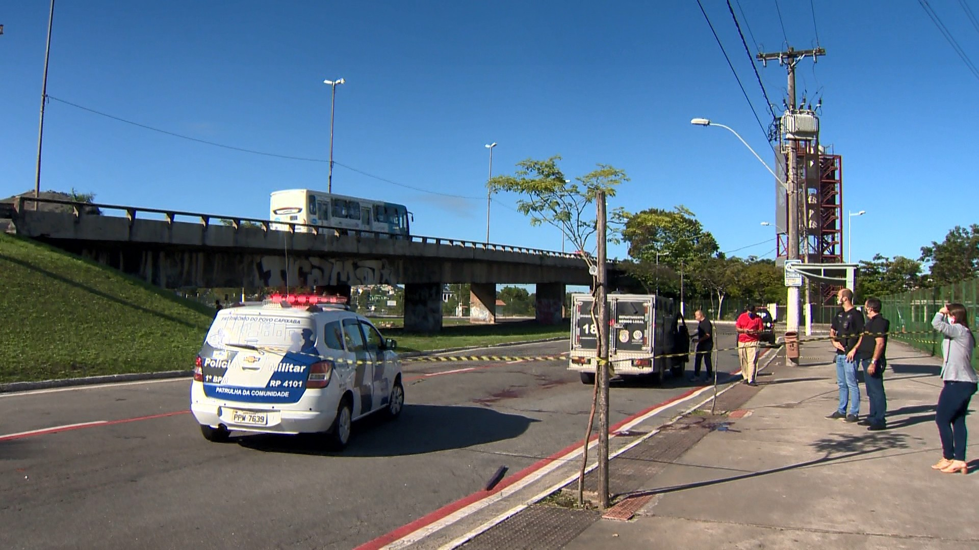 Homem em situação de rua morre após ser esfaqueado na perna, em Vitória