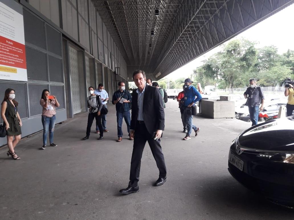 Crivella visita obras de hospital de campanha no Rio