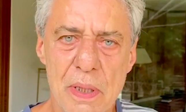 Chico Buarque no vídeo da campanha 'Tem gente com fome'