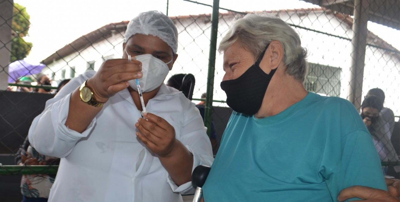 Covid-19: Veja esquema de vacinação em Feira de Santana neste sábado