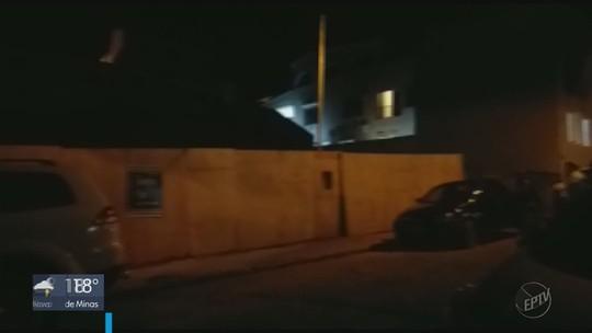Terreno cede e parte de casa desaba no bairro Vila Nova, em São Lourenço, MG
