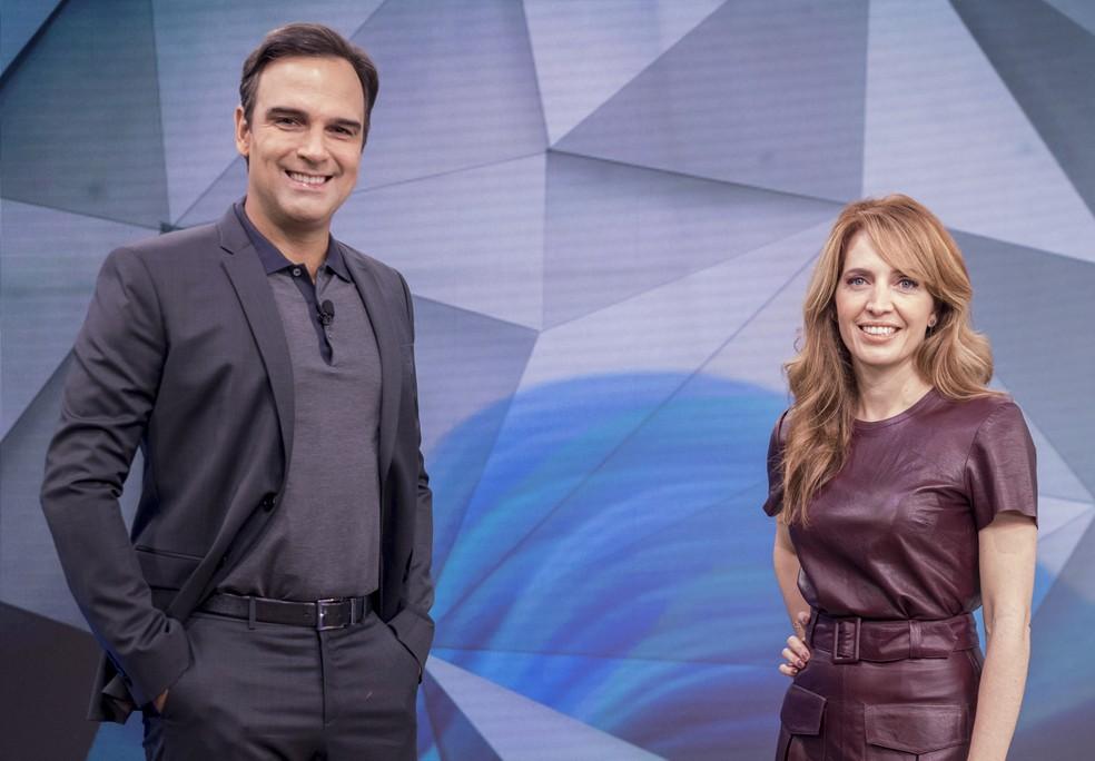 Tadeu Schmidt e Poliana Abritta no 'Fantástico' — Foto: João Cotta/Globo