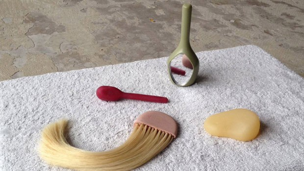 Designer cria objetos para ajudar mulheres a se recuperar de traumas sexuais (Foto: Divulgação)