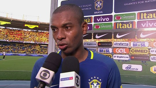 Fernandinho vê empate importante para Brasil e agradece carinho dos colombianos
