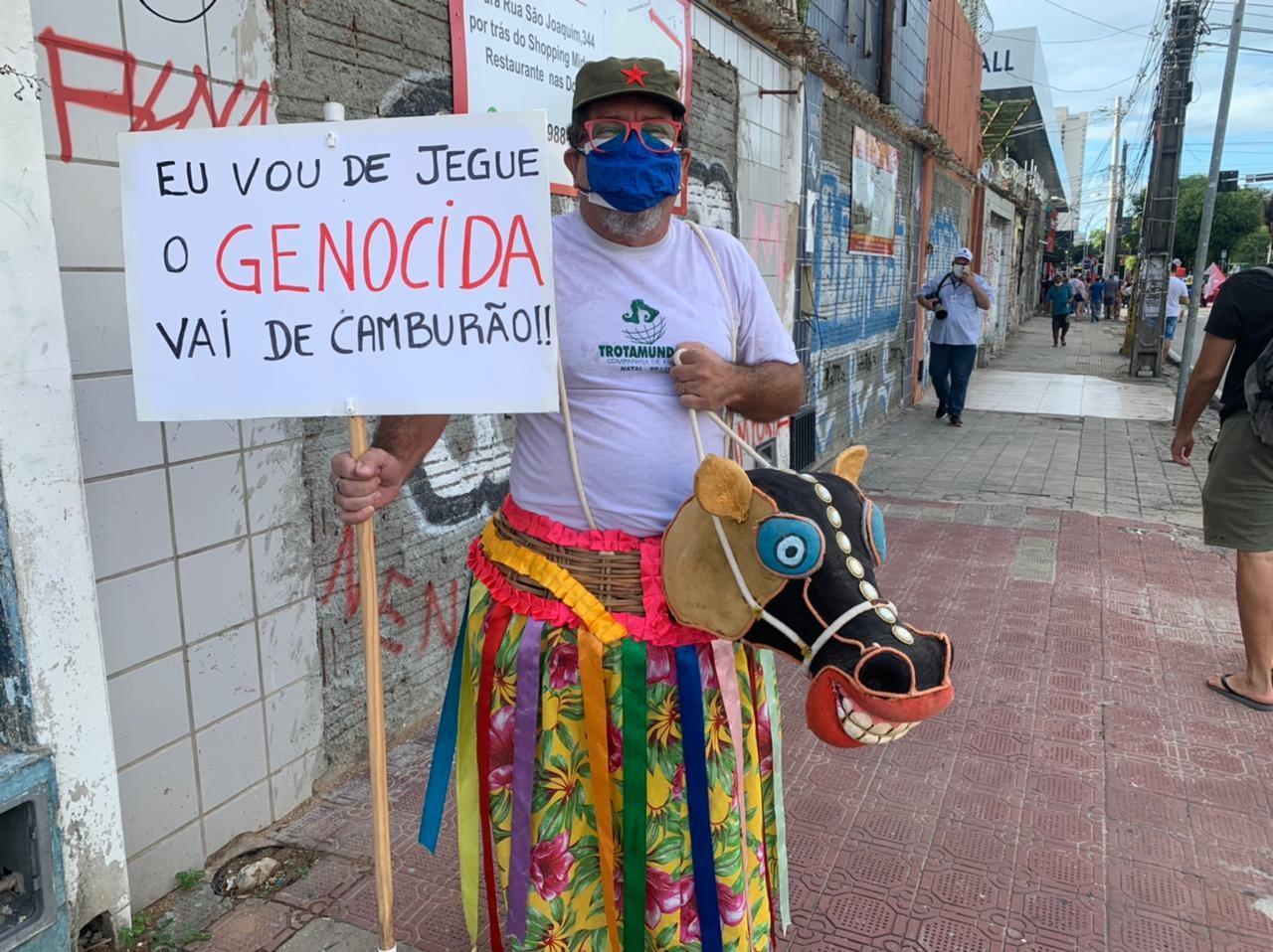 Manifestantes promovem atos contra o presidente Jair Bolsonaro e a favor da vacina no RN