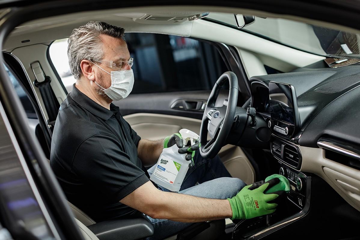 Ford passará a fazer assepsia dos veículos no showroom das concessionárias (Foto: Divulgação)