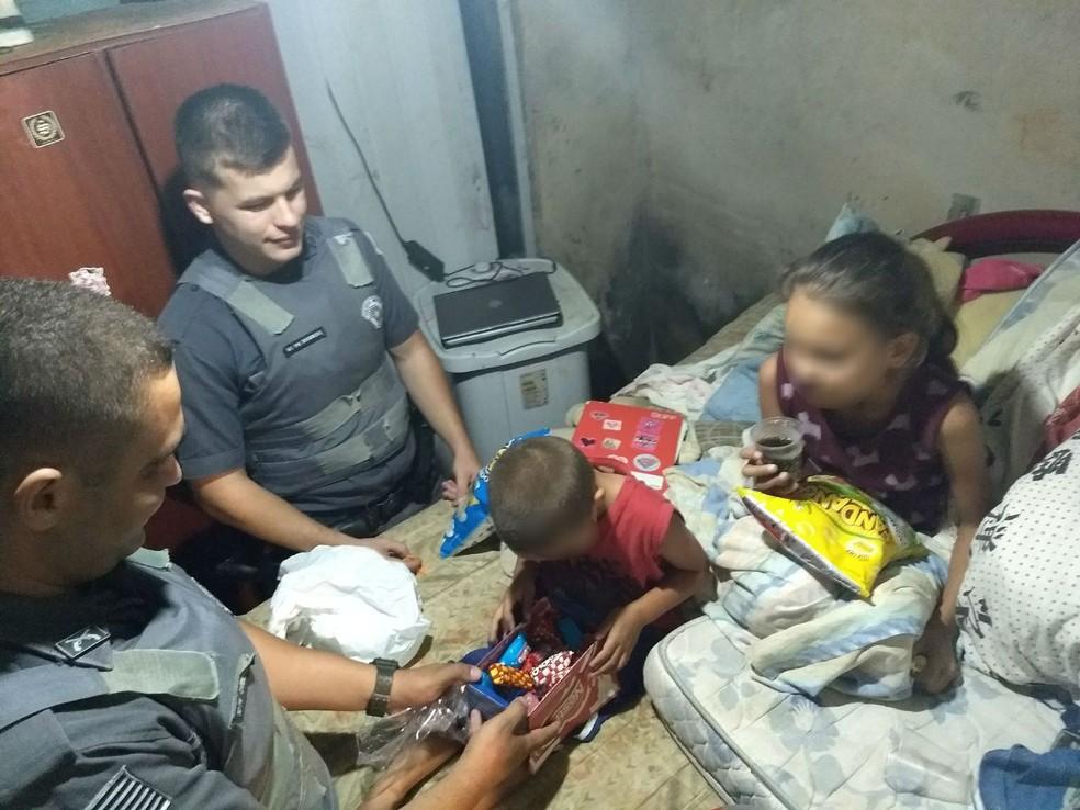 Polícia Militar flagra crianças em possível situação de negligência em Itu (Foto: Arquivo Pessoal)