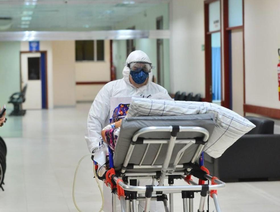 Hospital de Retaguarda da Nilton Lins começou a receber pacientes neste sábado. — Foto: Divulgação/Secom