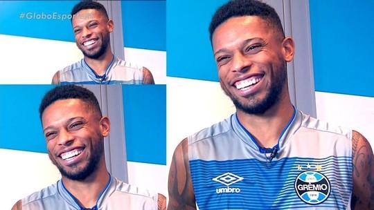 Com sorriso estampado no rosto, André fala sobre a carreira, Grêmio e futuro