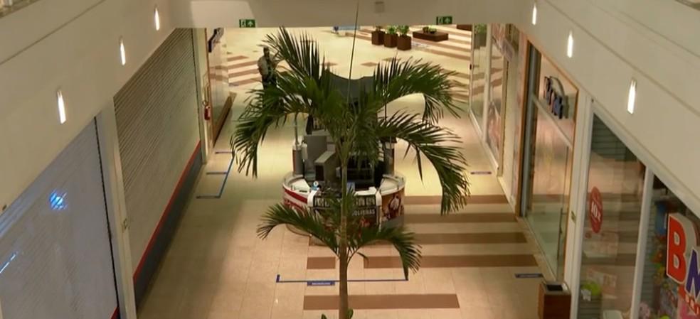 Shoppings também abrem nesta sexta — Foto: Reprodução/ TV Bahia