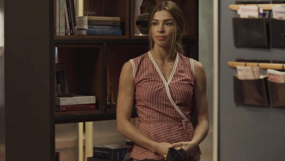 Paloma (Grazi Massafera) não aceita desaforo de Nana (Fabiula Nascimento) — Foto: TV Globo