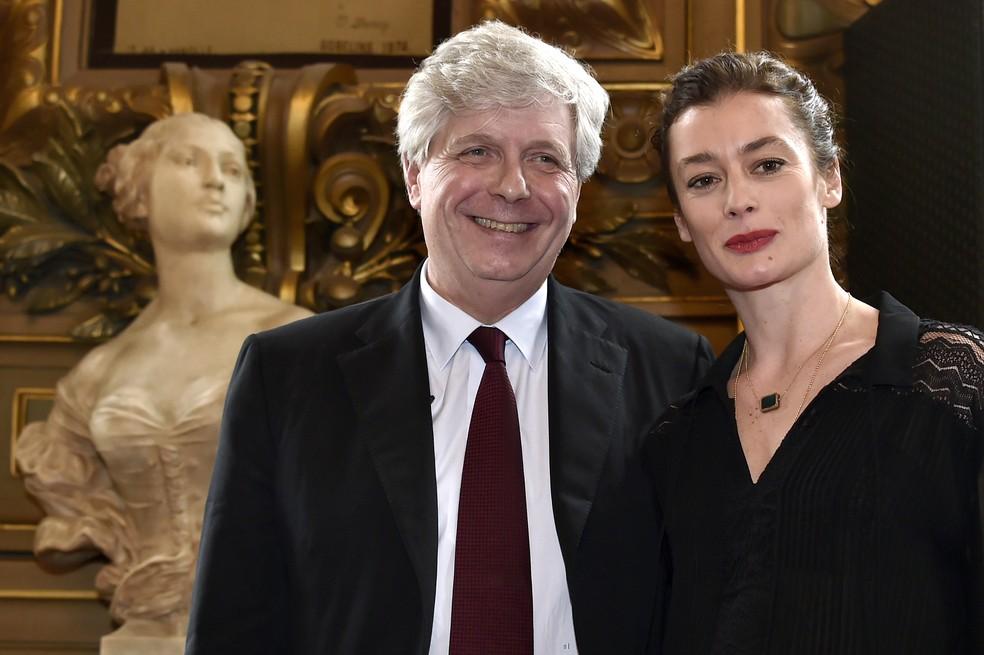 -  Stephane Lissner, diretor da Ópera de Paris, e Aurélie Dupont, diretora de balé da instituição, em 2014  Foto: DOMINIQUE FAGET / AFP