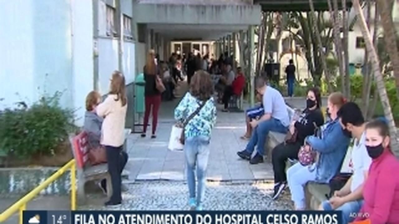 Pacientes do Hospital Celso Ramos reclamam de demora no atendimento