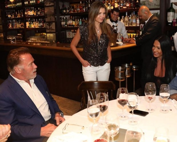 Arnold Schwarzenegger, Ana Paula Leal e Gracyanne Barbosa (Foto: Rodrigo Dod / Savaget)