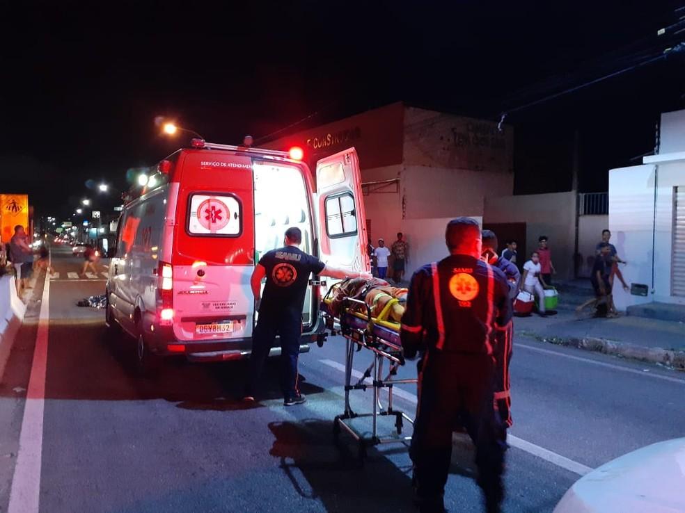 Homem morre atropelado na Zona Norte de Natal; motociclista fica ferido — Foto: Julianne Barreto/Inter TV Cabugi