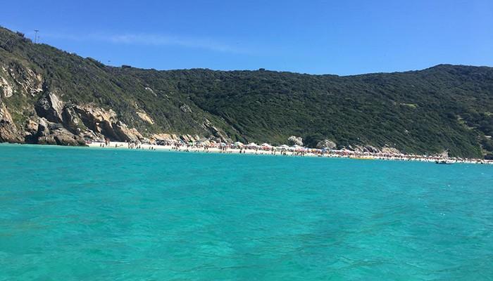 Arraial do Cabo é conhecida por suas águas paradisíacas (Foto: Aline Brito)