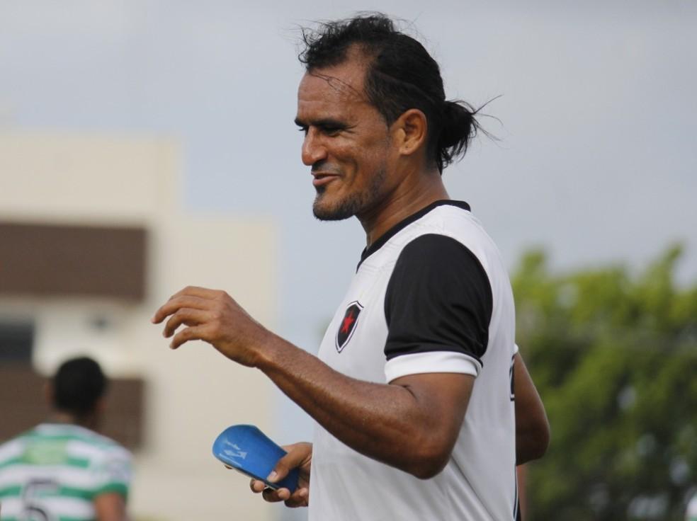 Enercino foi dispensado após o encerramento do seu contrato ao fim de maio — Foto: Nádya Araújo / Botafogo-PB