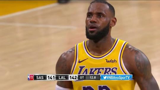 O drama de LeBron: jogador se considera um lixo da linha do lance-livre no momento