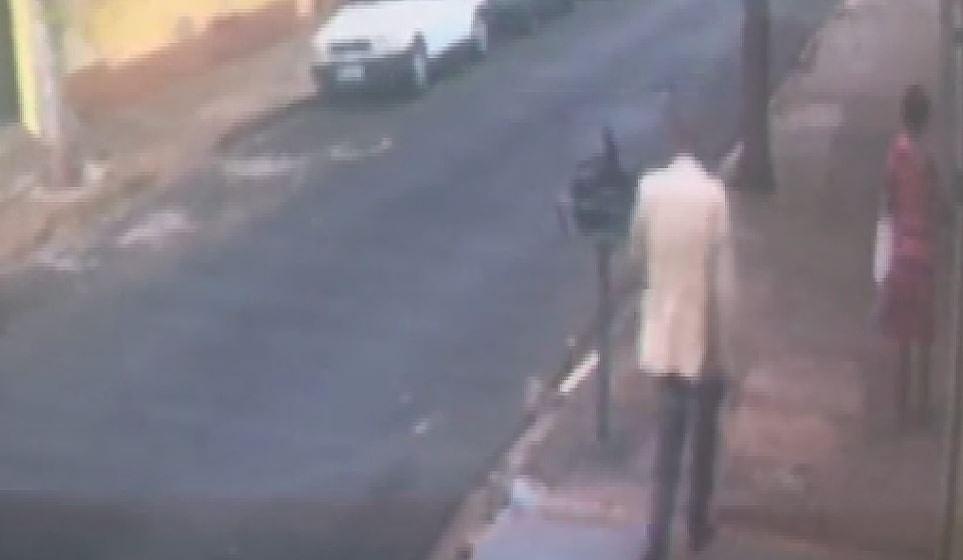 Idosa de 65 anos é agredida na rua com soco e desmaia em Ribeirão Preto, SP; VÍDEO