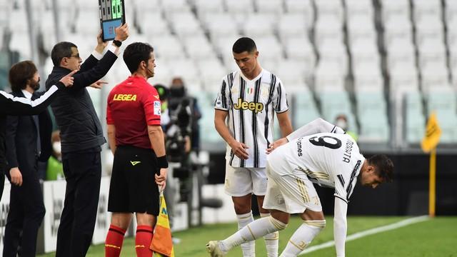 Cristiano Ronaldo é substituído por Morata durante Juventus x Internazionale