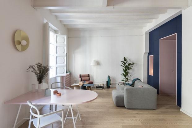 Apartamento antigo de 65 m² ganha alegria e cores vivas (Foto: Roberto Ruiz/Divulgação)