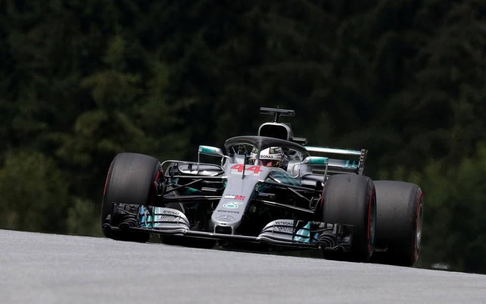 Hamilton deixou de pontuar pela primeira vez na temporada 2018 (Foto: Reuters)