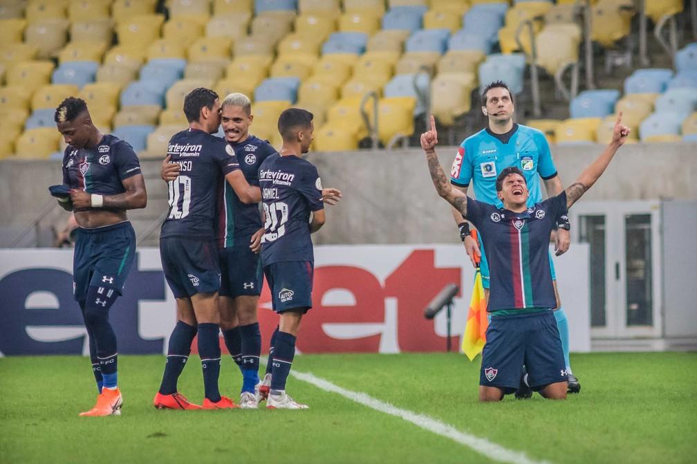 Pedro comemora gol pelo Fluminense sobre Ceará — Foto: Agência Estado
