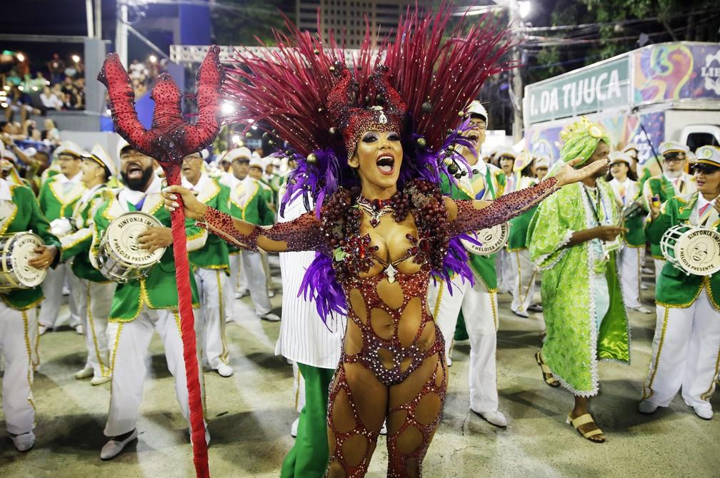 Laynara, rainha de bateria da Império da Tijuca — Foto: Marcos Serra Lima/G1