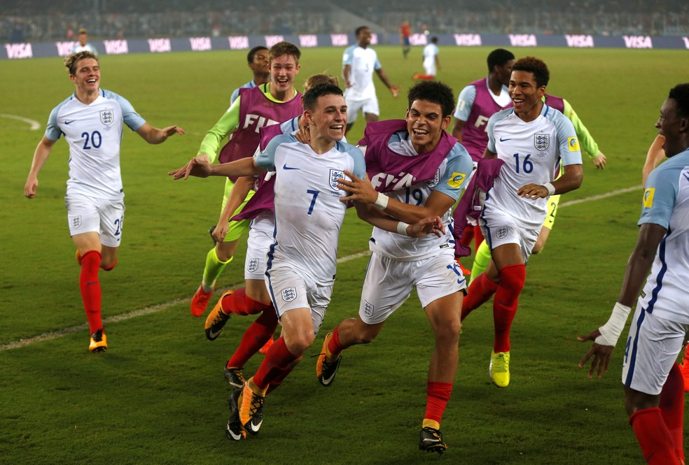 Foden comemora: Inglaterra vence a Espanha e leva o título do Mundial sub-17 (Foto: Reuters)