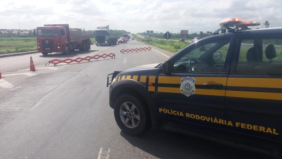 Ministério da Justiça informou que o Ceará vai receber reforço de policiais rodoviários para patrulhar as estradas federais do estado — Foto: PRF/Divulgação