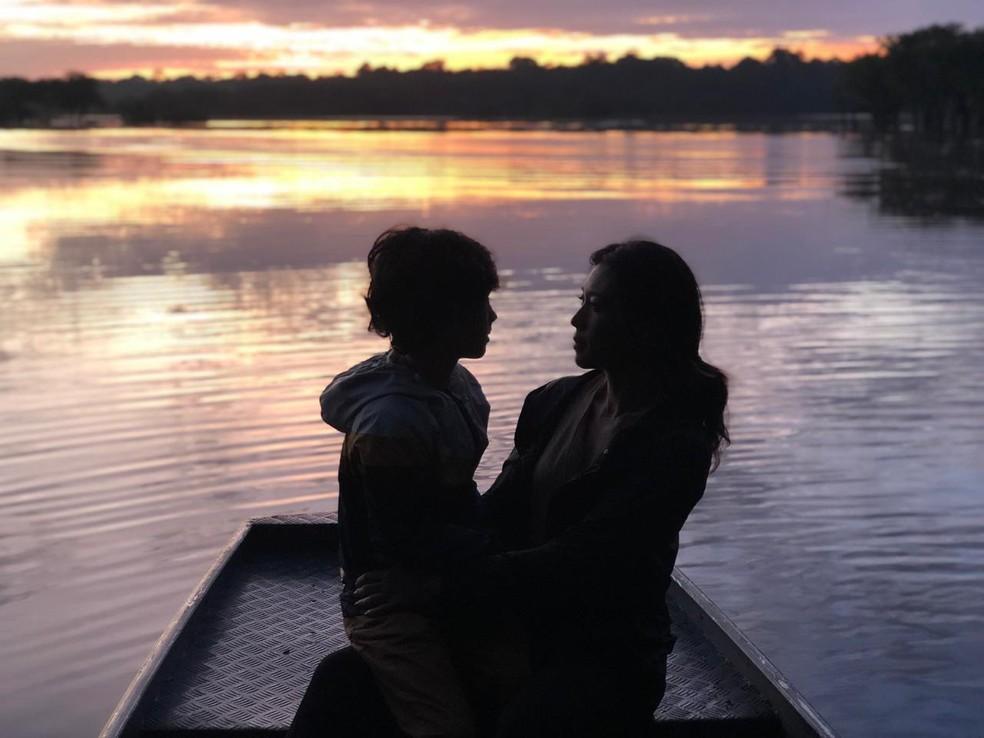 Pôr do sol: mãe e filho passaram as férias no meio da floresta — Foto: Arquivo Pessoal